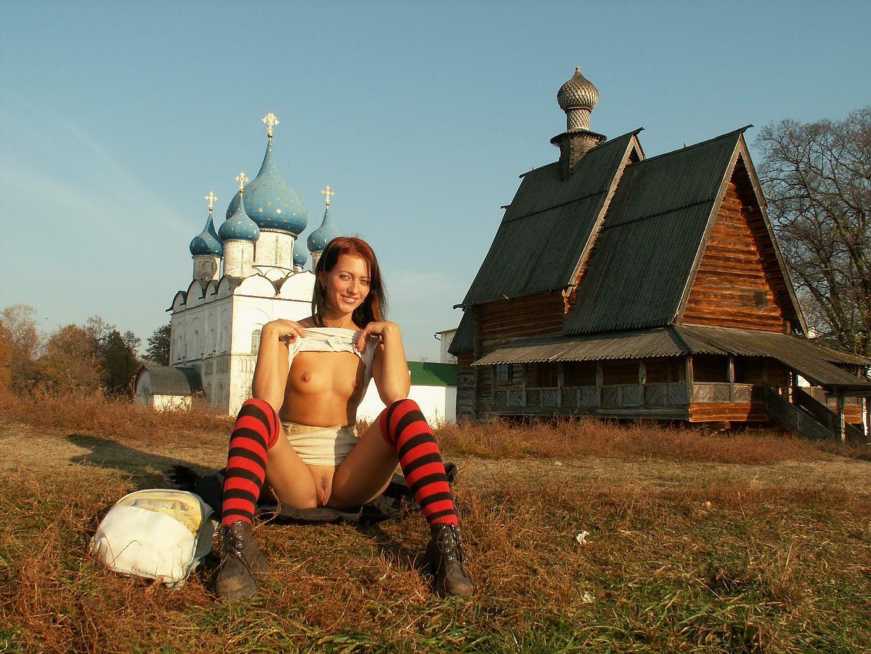 russkaya-zrelaya-v-derevne