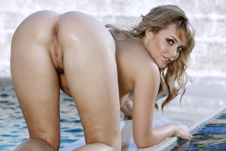 854 fresh naked blonde