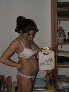 Pregnant-Girl-Shows-Her-Body-To-Her-Friends-x38-u6xf8nakiz.jpg