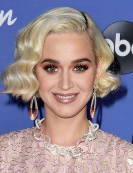 Katy Perry 50909346_Katy-Perry-PremAmericanIdolHWFeb1