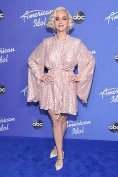 Katy Perry 50909353_Katy-Perry-PremAmericanIdolHWFeb5