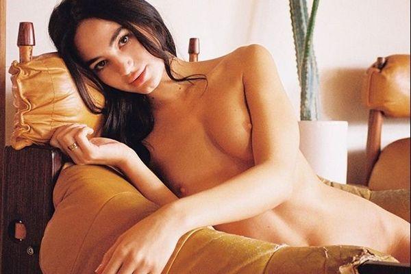 [playboyplus.com] 03-13-2020 Sarah Mollica - Afternoon Groove [Erotic, Posing, Brunette][2160p]